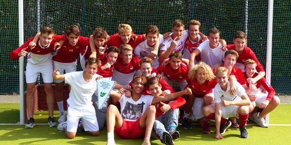 Männliche Jugend B gewinnt Westdeutschen Meistertitel auf heimischem Platz
