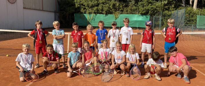 Tennisnachwuchs groß im Einsatz
