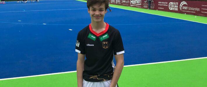 Rot Weiss Jugendspieler Paul Babic im Einsatz der U16 Nationalmannschaft