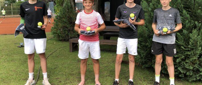 Rot-Weiss Tennistalent weiterhin auf Erfolgskurs